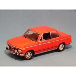 Coche Modelo BMW 2002 Vehiculo en miniatura de colección Vintage Automovil a escala