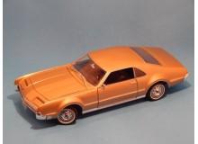 Coche Modelo OLDSMOBILE TORONADO Vehiculo en miniatura de colección Vintage Automovil a escala
