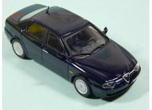AUTOMOVIL VINTAGE EN MINIATURA A ESCALA MODELO ALFA ROMEO 156