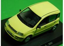 AUTOMOVIL VINTAGE EN MINIATURA A ESCALA MODELO FIAT PANDA 2004
