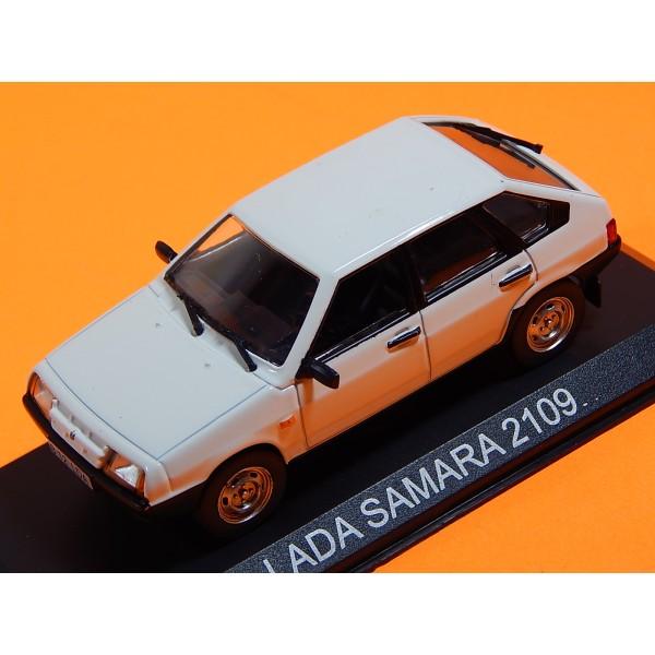 Coche Modelo DE COLECCION LADA SAMARA Vehiculo en miniatura de colección Vintage Automovil a escala