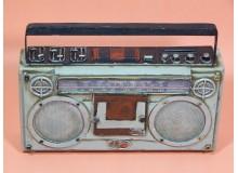 Hucha decoración con diseño radio retro