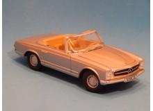 Coche Modelo MERCEDES BENZ 280 SL Vehiculo en miniatura de colección Vintage Automovil a escala