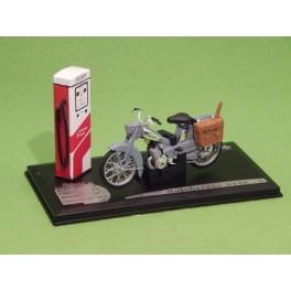 Coche Modelo MOTOBECANE AV 88 Vehiculo en miniatura de colección Vintage Automovil a escala
