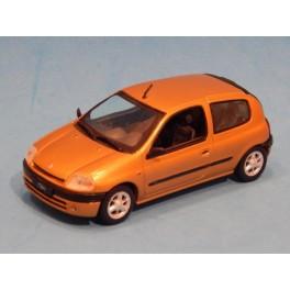 Coche Modelo RENAULT CLIO Vehiculo en miniatura de colección Vintage Automovil a escala