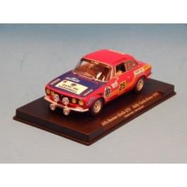 Coche Modelo ALFA ROMEO GIULIA GTV SLOT Vehiculo en miniatura de colección Vintage Automovil a escala