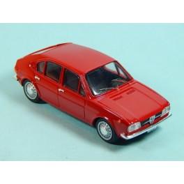 Coche Modelo ALFA ROMEO ALFASUD Vehiculo en miniatura de colección Vintage Automovil a escala