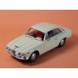 Coche Modelo ALFA ROMEO 2600 SPRINT Vehiculo en miniatura de colección Vintage Automovil a escala