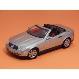Coche Modelo MERCEDES SLK Vehiculo en miniatura de colección Vintage Automovil a escala