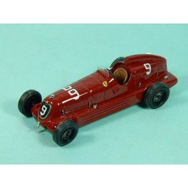 Coche Modelo ALFA ROMEO 8C 35 Vehiculo en miniatura de colección Vintage Automovil a escala