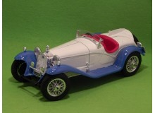 Coche Modelo ALFA ROMEO 2300 SPIDER Vehiculo en miniatura de colección Vintage Automovil a escala