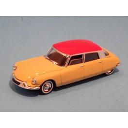 Coche Modelo CITROEN DS Vehiculo en miniatura de colección Vintage Automovil a escala